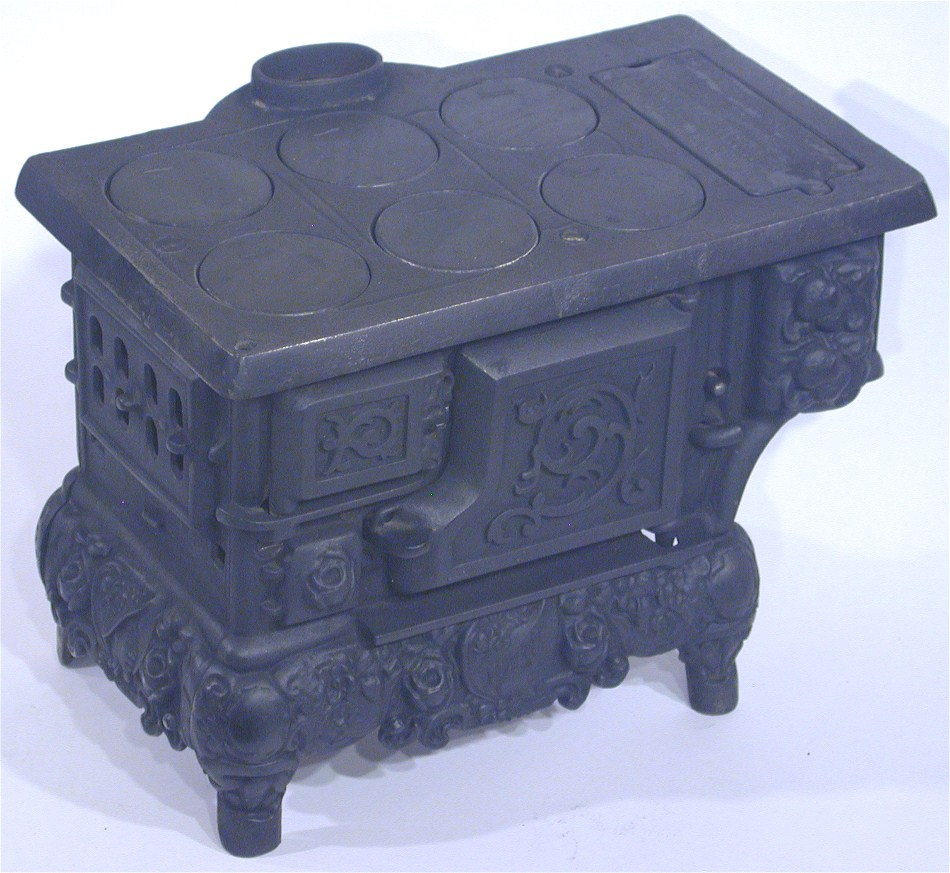 - Circa Early 1900's, ANTIQUE CAST IRON MINIATURE WOOD COOK STOVE!